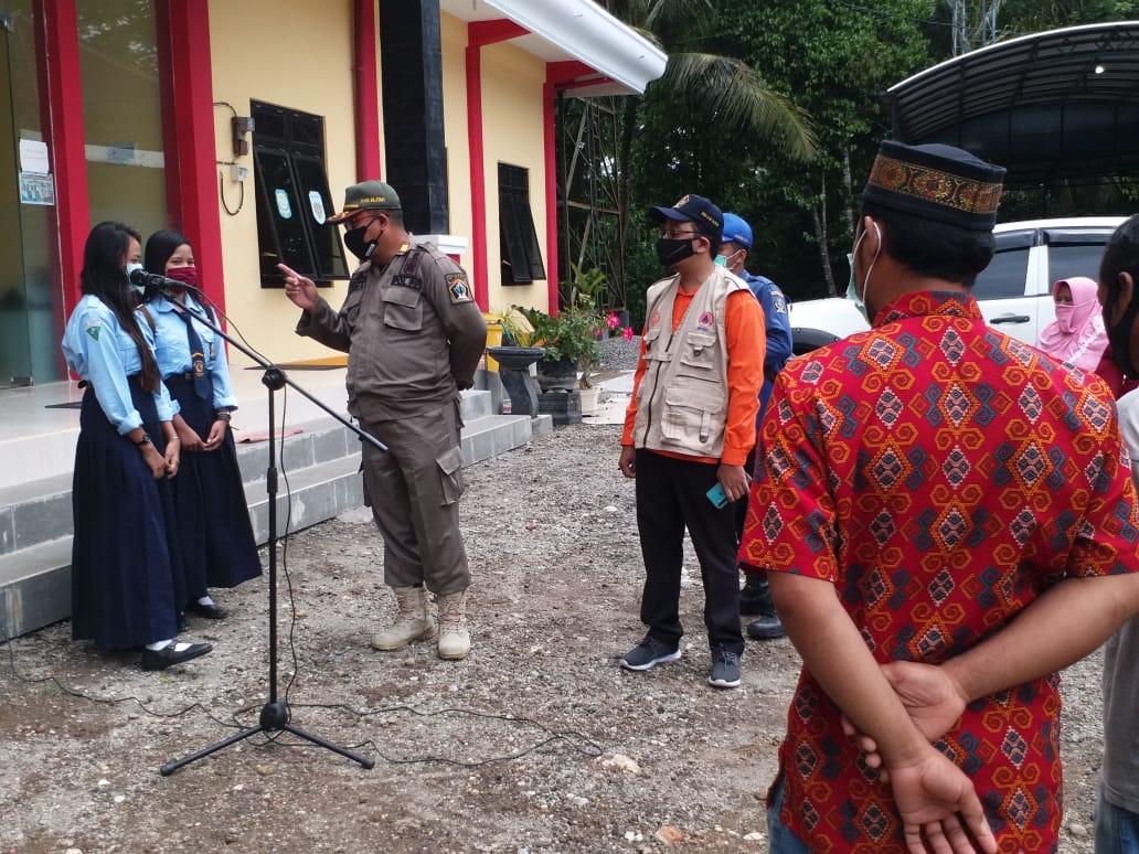 Para warga Kabupaten Blitar Jawa Timur (Jatim) terjaring operasi yustisi karena melanggar protokol kesehatan (Robby / Mattanews.co)