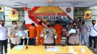 Satuan Reserse Kriminal Polres Ciamis Polda Jabar berhasil menangkap lima orang tersangka pelaku kejahatan pencurian dengan pemberatan kendaraan roda dua di dua Kabupaten.