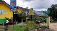 Terlihat salah satu gedung sekolah di Prabumulih hanya menggunakan atap seng.