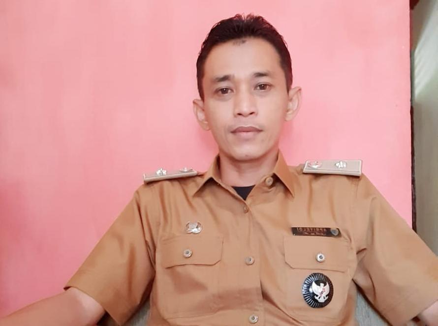 Sekretaris Camat (Sekcam) Mersam Apriyeldi.