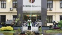 Kapolres Banjar AKBP Melda Yanny, S.I.K.,M.H. memimpin Apel Kesiapan Pengamanan Malam Tahun Baru 2021, pada Kamis, (31/12/2020).