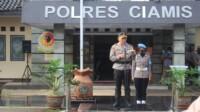 Kapolres Ciamis AKBP Dony Eka Putra, S.I.K., M.H., memimpin langsung upacara korp raport kenaikan pangkat anggota Polres Ciamis Polda Jabar.