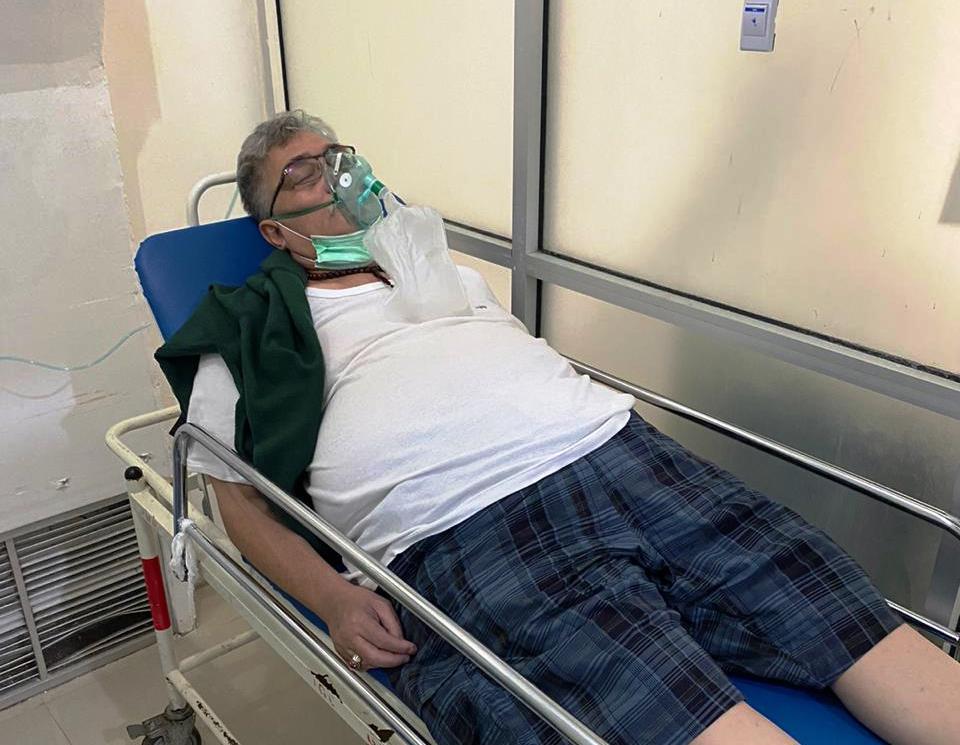 Tersangka kasus dugaan suap alih fungsi lahan di Kabupaten Muara Enim, Abunawar Basyeban saat dirawat di rumah sakit