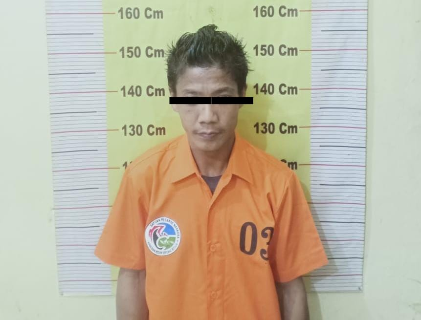 RP alias Kecik diamankan tim Opsnal Satresnarkoba Polres Sergai Sumut karena mengedarkan narkoba jenis sabu (M Siddik / Mattanews.co)