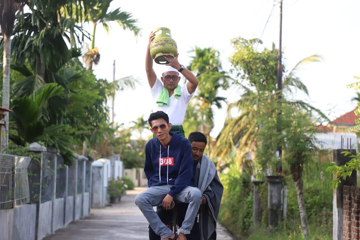 Haji Uma, anggota DPD RI kembali beraksi di film komedi Aceh terbarunya yang diberi judul 'Meurajalela'