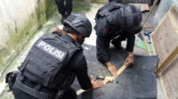 satuan unit Penjinak Bom (Jibom) Brimob Polda Jawa Barat diturunkan guna menindaklanjuti dan mengamankan temuan bom.