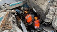 Proses evakuasi korban gempa bumi di Sulbar.