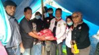 Kolaborasi DPW JPKP Sulteng, DPW JPKP Sulbar sasar posko pengunsian korban bencana gempa di kabupaten Mamuju dan Kabupaten Majene, selasa (19/1/2020).