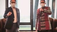gubernur Jawa Barat (Jabar) Mochamad Ridwan Kamil bersama Menteri Pariwisata dan Ekonomi Kreatif Sandiaga Uno bahas strategi dan rencana terkait Pariwisata di Jabar, bertempat di Kantor Sandiaga Uno Jakarta, Selasa, (19/1/2021).