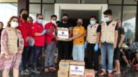 DPD PDI Perjuangan Sulawesi Barat bersama Badan Penanggulangan Bencana (Baguna) PDI Perjuangan Sulawesi Tengah dan Sulawesi Selatan kembali menyalurkan bantuan berupa makanan siap saji ke pengungsi gempa bumi Sulbar, Kamis (21/1/2021).