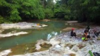Keindahan objek wisata alam Teluk Batu di Desa Masupa Ria Kabupaten Kapuas Kalteng (Angga / Mattanews.co)