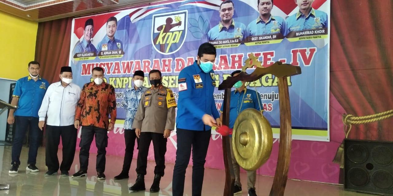 Ketua DPW KNPI Sumatera Utara (Sumut) El Adrian Shah, resmi membuka Musyawarah Daerah (MUSDA) ke-IV KNPI Kabupaten Serdang Bedagai (Sergai) Sumut (M Siddik / Mattanews.co)