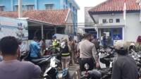 Petugas gabungan TNI-Polri dan Pemerintah terus gencar melaksanakan operasi yustisi penerapan instruksi bupati nomor 1 Tahun 2021 tentang pengetatan wilayah di Kabupaten Pangandaran.