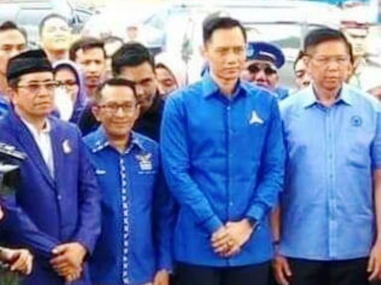 Ketua Umum Partai Demokrat Agus Harimurti Yudhoyono saat mengunjungi kadernya di Tanah Datar Sumbar (Dok. DPC Partai Demokrat Tanah Datar / Mattanews.co)