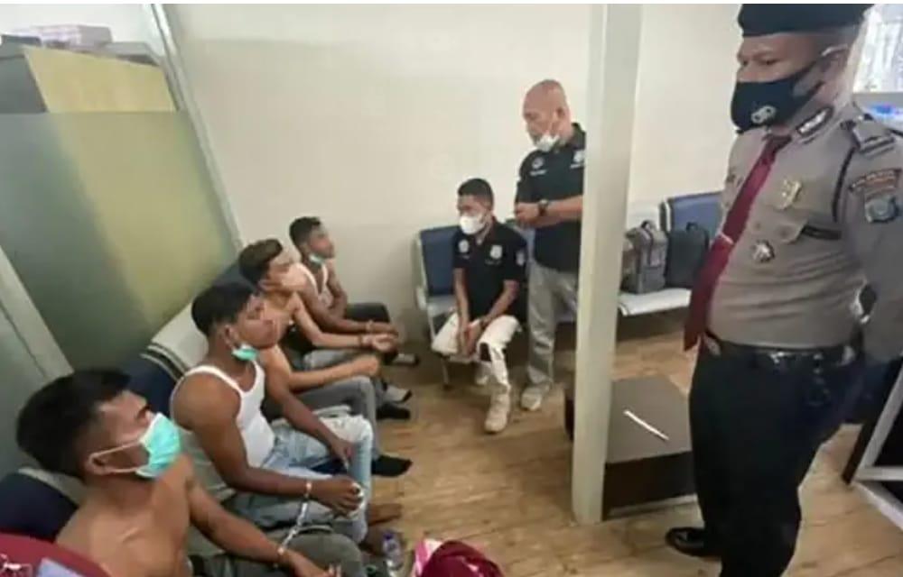 Empat orang warga asal Aceh diamankan di Bandara Kualanamu Deli Serdang Sumut, karena kedapatan membawa paket narkoba jenis sabu seberat 2 Kg (Tison / Mattanews.co)