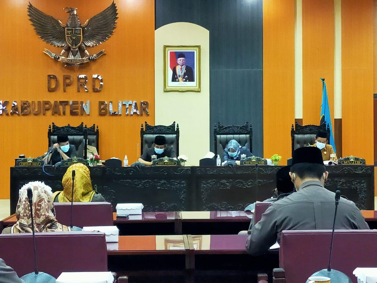 Rapat Paripurna DPRD Kabupaten Blitar Jatim (Robby / Mattanews.co)