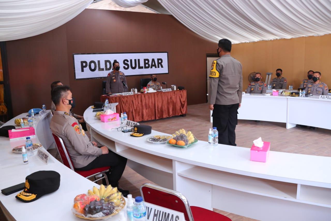 Bantuan Kapolri untuk penanganan bencana alam di Sulbar.