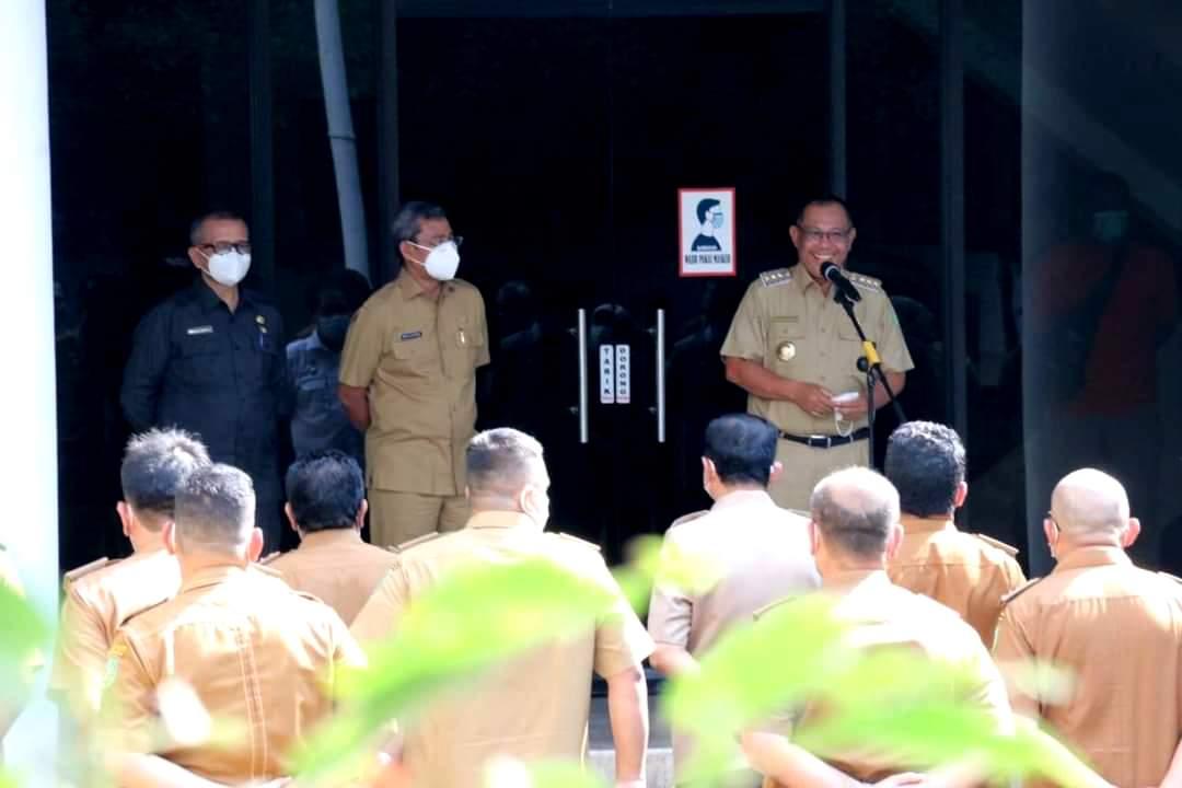 Wako Medan Akhyar Nasution saat berpamitan di depan seluruh OPD dan ASN di Pemkot Medan Sumut (Dok. Humas Pemkot Medan / Mattanews.co)
