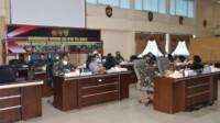Komandan Korem 044/Gapo Brigjen TNI Jauhari Agus Suraji S.IP, S.Sos mengikuti rapat koordinasi teknis TMMD ke 110 yang di gelar secara virtual, kamis (18/2/2021).