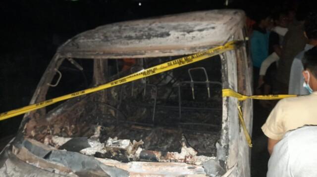 Salah satu kendaraan di TKP yang turut terbakar di Pemulutan Ogan Ilir Sumsel (Janes Putra / Mattanews.co)