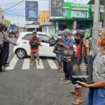 Bakti sosial yang bertajuk HDCI Peduli ini diselenggarakan di wilayah Kecamatan Cijeungjing, Kabupaten Ciamis, Jawa Barat, Senin (1/2/2021).