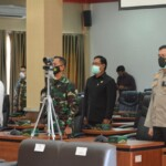 Kapolres Ciamis AKBP Hendria Lesmana, S.I.K., M.Si., menghadiri acara pisah sambut Wakil Bupati Pangandaran periode 2016-2021 di Gedung Rapat Paripurna DPRD Kabupaten Pangandaran, Jawa Barat, Jumat (5/3/2021).