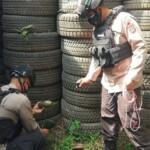 Sebuah benda mencurigakan yang diduga amunisi bom jenis Mortir 90 mm personel ditemukan warga di area permukiman warga di Kecamatan Cicendo, Kota Bandung pada Sabtu, (06/03/2021).
