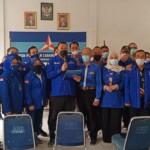 DPC Partai Demokrat Kabupaten Karawang melaksanakan rapat koordinasi, konsolidasi dan mendeklarasikan pernyataan sikap mendukung Agus Harimurti Yudhoyono dan menolak keras KLB Deli serdang, bertempat dikantor DPC Partai Demokrat Karawang, senin (8/3/2021).