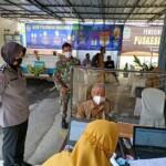 Polsek Ciamis Monitoring Vaksinasi Nakes di Puskesmas Imbanagara