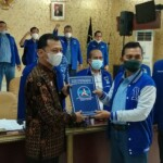 Tujuh pernyataan sikap yang diberikan oleh Ketua DPD Partai Demokrat Sumsel diterima langsung, oleh Kepala Divisi Administrasi, Rifqi Adrian Kriswanto, di Aula Lantai 3 Kantor Kemenkumham Sumsel, di Jalan Jenderal Sudirman, KM 3,5 Palembang, Jumat (12/3/2021).
