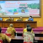 Asosiasi Perangkat Desa (APD) Kabupaten Blitar Jawa Timur (Jatim) beraudiensi dengan Bupati-Wakil Bupati (Wabup) Blitar, di Gedung Pemkab Blitar Jatim (Robby / Mattanews.co)