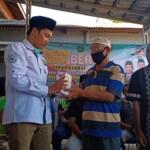 Dewan Pimpinan Cabang (DPC) Partai Kebangkitan Bangsa (PKB) Kabupaten Karawang berbagi rezeki di hari Jum'at.