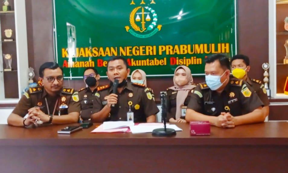 Pers Release di Aula Kejaksaan Negeri Prabumulih, Selasa (6/42021).