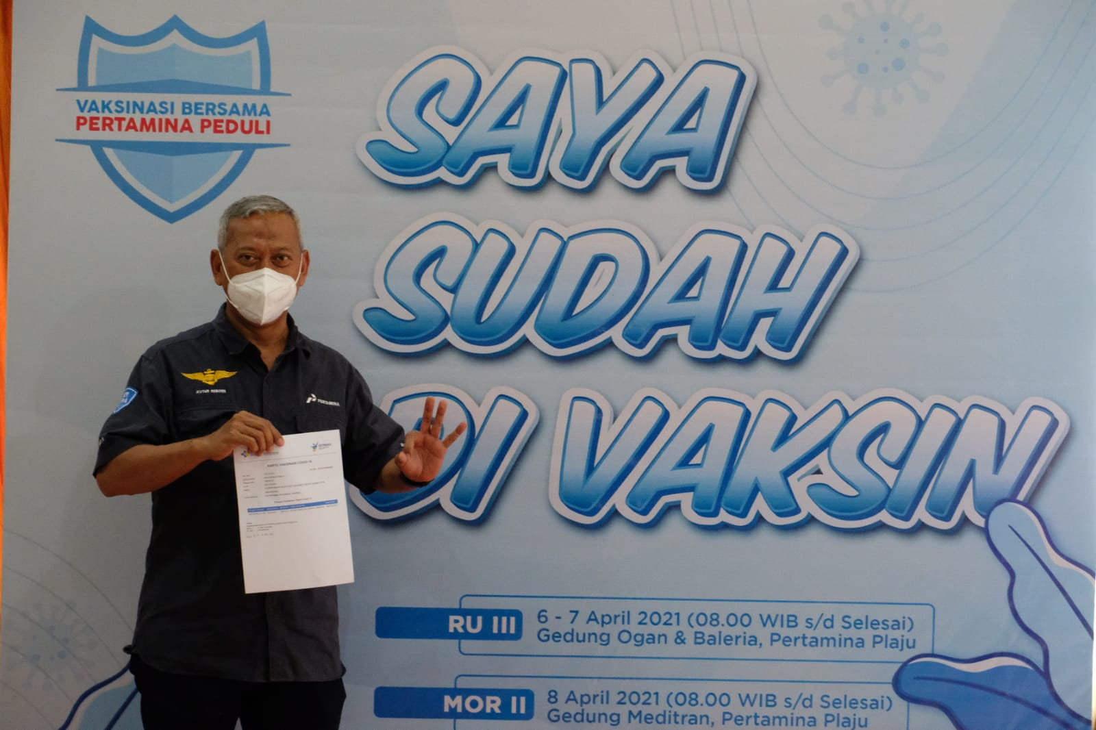 vaksinasi Covid-19 tahap pertama bersama Sinergi BUMN dan Rumah Sakit Pertamina Plaju bertempat di Gedung Ogan dan Balai Ria Pertamina RU III Plaju pada Selasa (6/4).