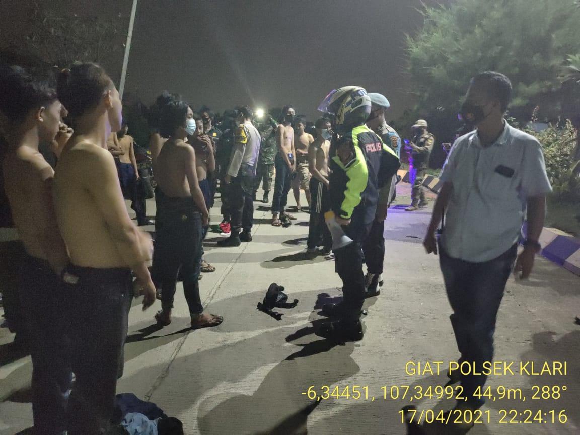 Pelakasanaan route patroli di jalan raya lampu merah Karawang Timur, terminal Klari, Areal Perum Kartika Residence, jalan raya Kosambi Telagasari, Perumahan De'Kraton Desa Pancawati Kecamatan Klari.