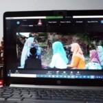 "Telkomsel menggelar acara nonton bareng secara virtual film ""Surga Menanti"". Dalam acara ini, Telkomsel juga menggelar Meet & Greet dengan menghadirkan sosok bintang tamu Della Puspita yang menyapa para pelanggan setia Telkomsel di Sumatera."