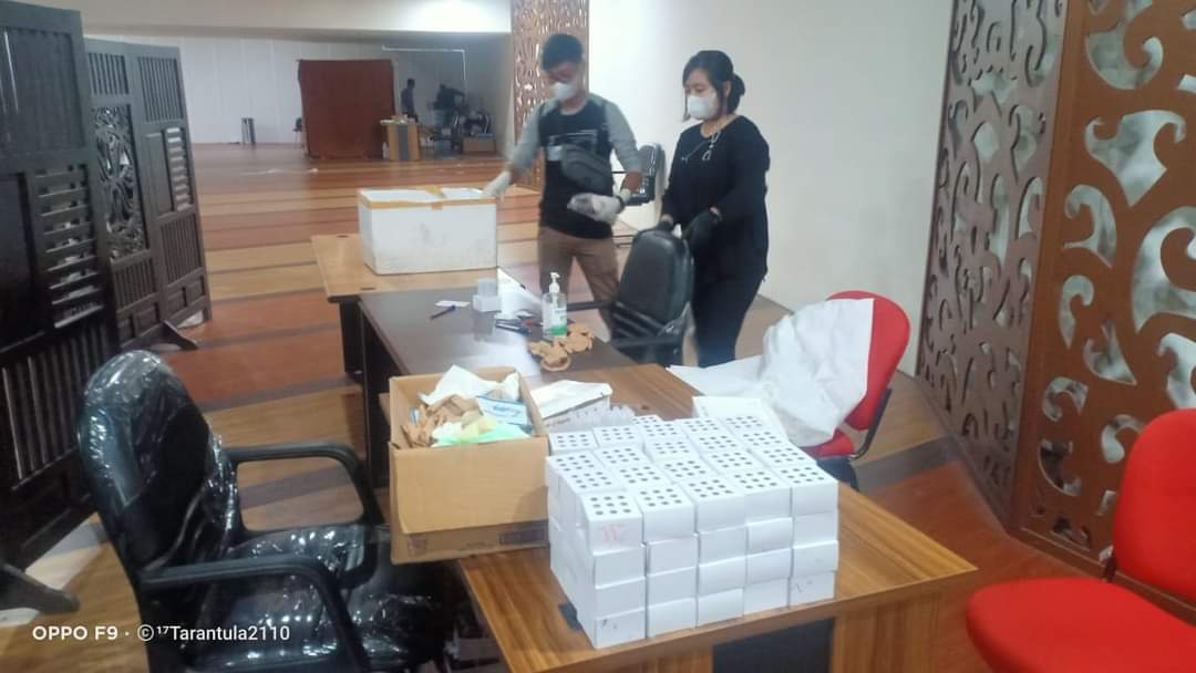 Tim Dirkrimsus Polda Sumut mengaamankan alat rapid test yang diduga bekas pakai di Bandara Kualanamu Sumut (IST)