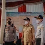 Wakil Bupati Karawang, H. Aep Syaepuloh, Senin (10/5/2021) mewakili Bupati Karawang berkesempatan meninjau pos penyekatan mudik di perbatasan Karawang Bekasi (Tanjungpura), Kepuh di Jalan Baru dan di Klari.