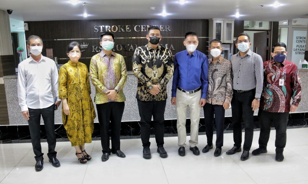 Wako Medan Bobby Nasution saat meninjau kesiapan RS Royal Prima di Medan melayani pasien Covid-19 (Tison Sembiring / Mattanews.co)