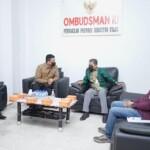 Wako Bobby Nasution saat menerima LAHP maladministrasi RSUD Dr Pirngadi Medan di kantor Ombudsman Perwakilan Sumut (Tison Sembiring / Mattanews.co)
