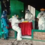 Rapid test antigen digelar secara massal, di Kampung Pasir Muncang, Desa Pusaka Mulya, Kecamatan Kiarapedes Purwakarta Jabar (Asep Sugianto / Mattanews.co)