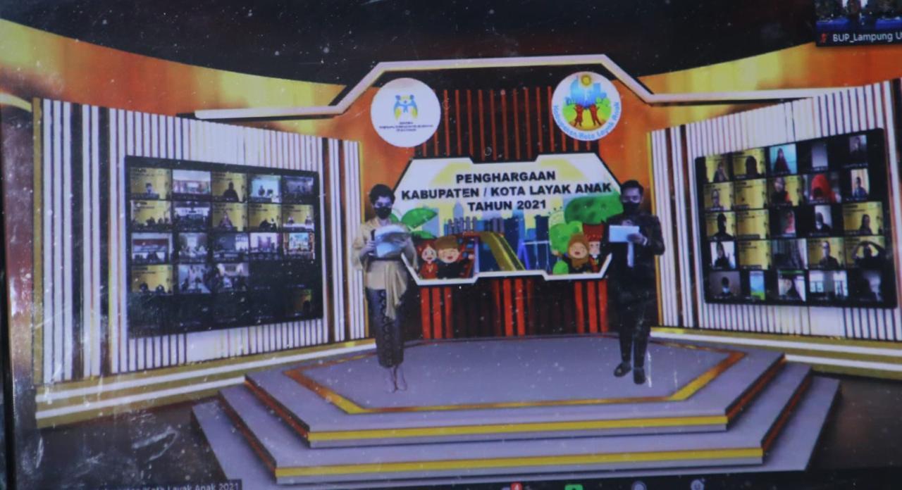 Penghargaan Kabupaten/Kota Layak Anak (KLA) Tahun 2021 disampaikan secara virtual (Dok. Kominfo Lampung Utara / Hendri Yadi)
