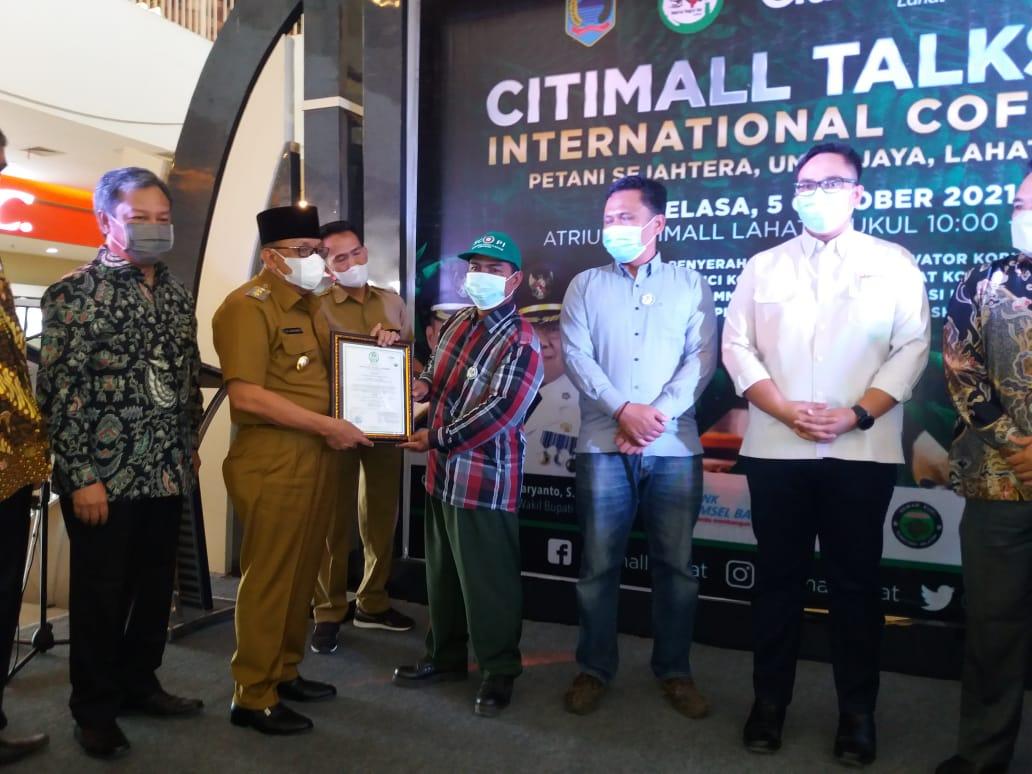 Pembukaan International Coffee Day di atrium CItimall Lahat Sumsel (Dok. Agustoni / Mattanews.co)